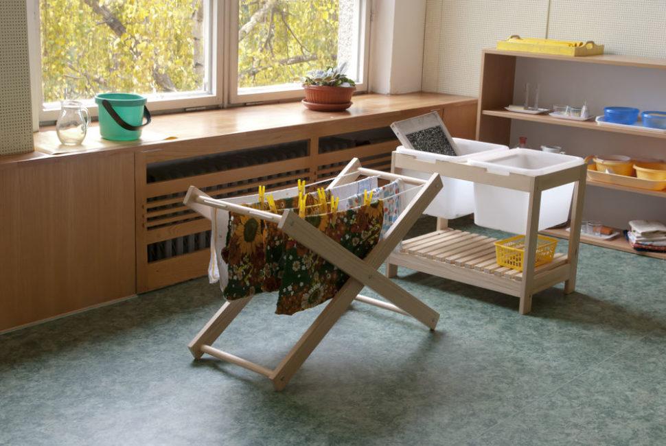Připravené prostředí - domácí práce - Montessori centrum Brno